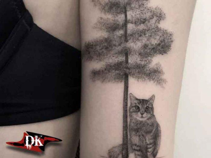 Ağaç ve Kedi Dövmesi