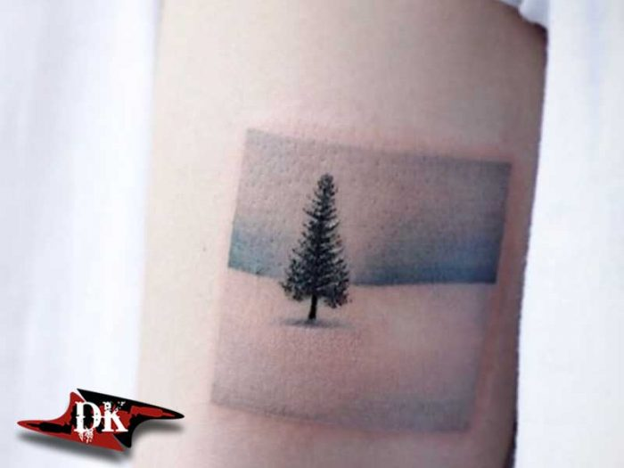 Mavinini Tonu Ağaç Dövme Modeli
