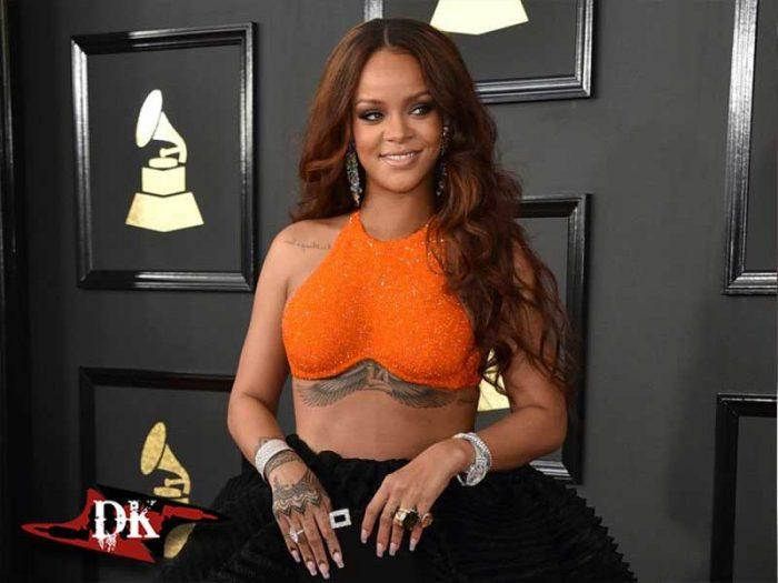 Rihanna Meme Altı Dövmesi